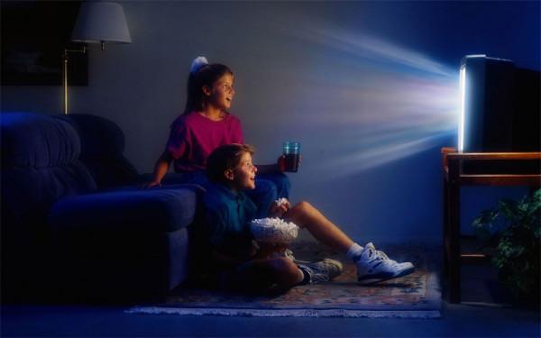 vliyanie televideniya i interneta na razvitie detej i podrostkov Влияние телевидения и интернета на развитие детей и подростков