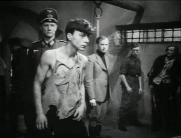 film molodaya gvardiya 1948 podvigu naroda zhit v vekax 3 592x453 custom Фильм «Молодая гвардия» (1948): Подвигу народа жить в веках