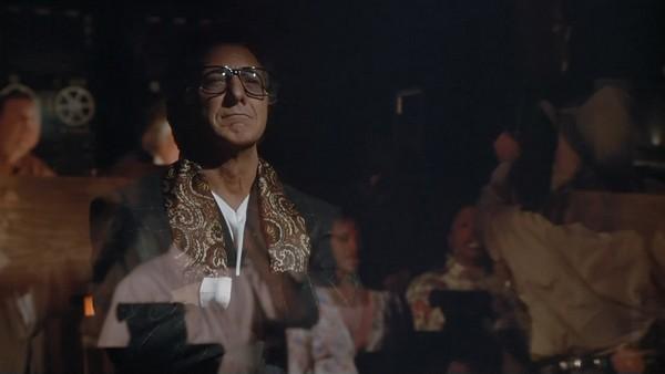 film plutovstvo hvost vilyaet sobakoy dopusk na politicheskuyu kuhnyu 06 Фильм «Плутовство» («Хвост виляет собакой») (1997): Допуск на политическую кухню