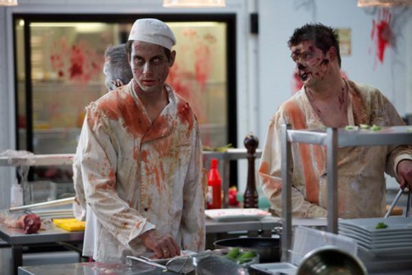 Кухня: Почему бы не накормить посетителей человечиной?