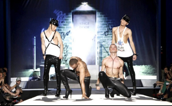 bogatyri i zmei 2 Богатыри и Змеи: Пропаганда гомосексуализма украинской группой Kazaky