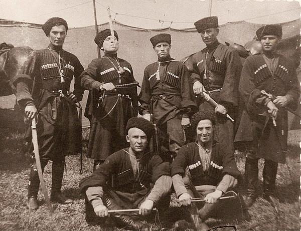 bogatyri i zmei1 1 Богатыри и Змеи: Пропаганда гомосексуализма украинской группой Kazaky