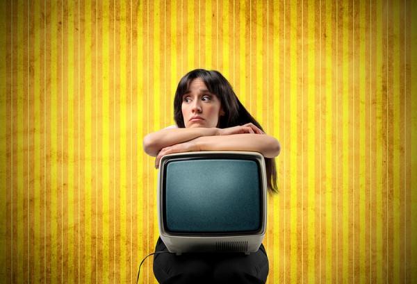 Почему люди тратят треть жизни на разглядывание «голубого экрана»?