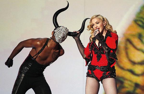 chemu uchat pesni madonny 002 Песни Мадонны: Гимн демонизму