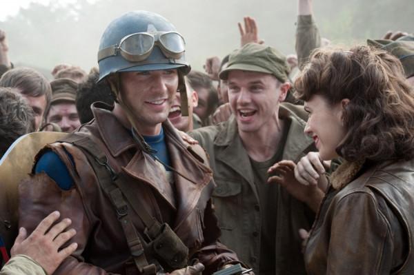 film pervyj mstitel 2011 2 Фильм «Первый Мститель» (2011): Воспитание безрассудного патриотизма