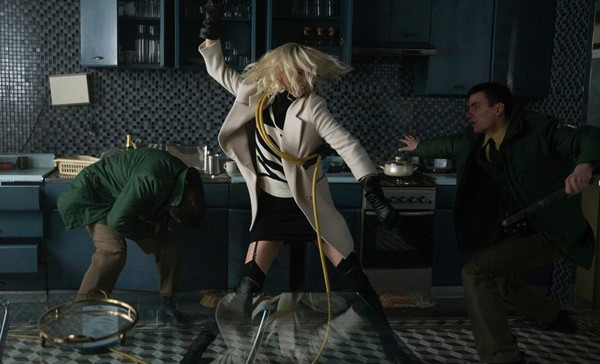 film vzryivnaya blondinka 2017 4 Фильм «Взрывная блондинка» (2017): Вся идеологическая мерзость в одном сюжете