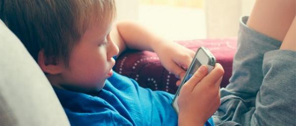 mama mne skuchno day telefon «Мама, мне скучно, дай телефон!» Как возникает зависимость от гаджетов у детей?