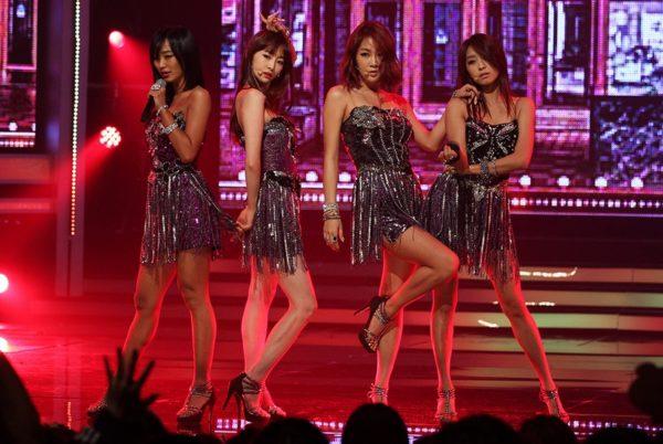 Индустрия K-Pop: Корейские звёздные рабы и армии одураченных фанатов